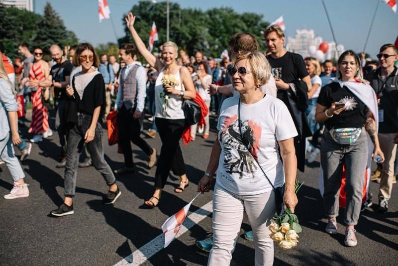 Лилия Власота на мирном митинге