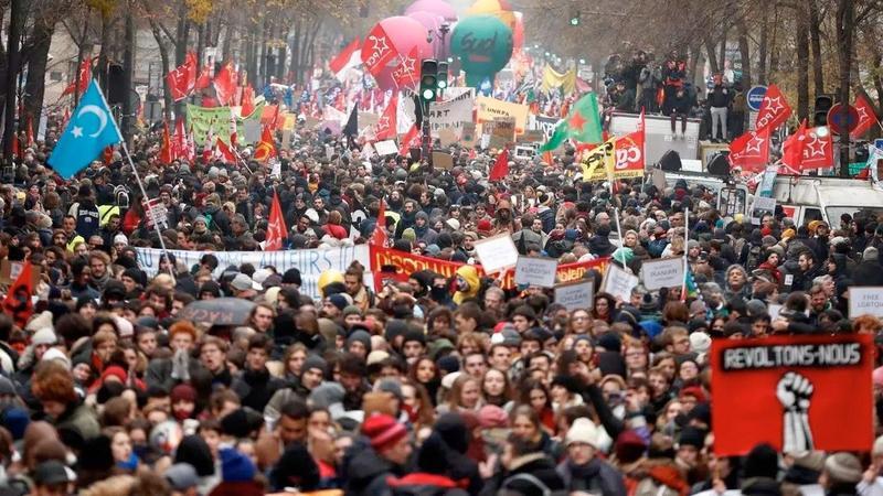 Марш против пенсионной реформы в Париже, 5 декабря 2019 Фото: REUTERS