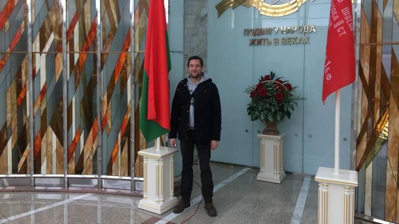 Автор в Музее Великой Отечественной войны. Его сфотографировал итальянец из Милана.