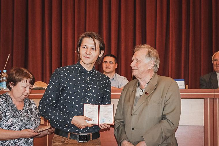 Юра и Жорес Алферов