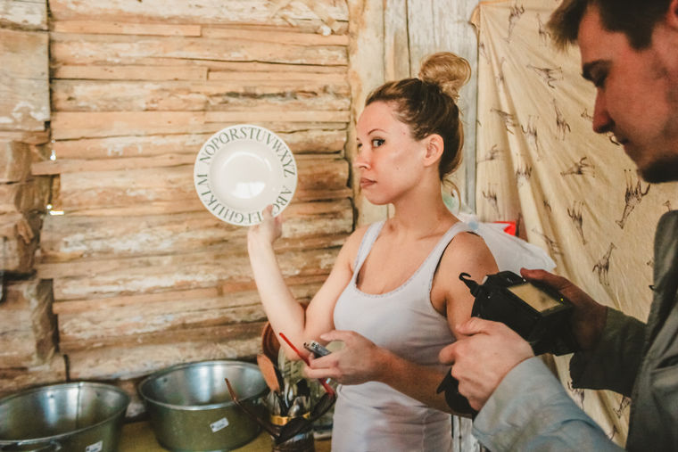 После еды каждый должен помыть за собой свою тарелку