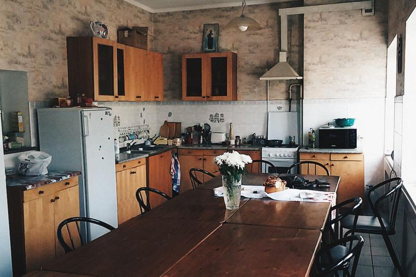 Кухня в Доме Лиама