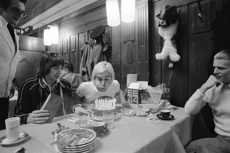 День Рождения Игги Попа в Москве. Боуи справа