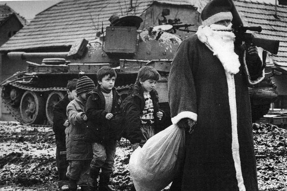 Дед Мороз во время войны за независимость Хорватии, Югославия. 1991 г