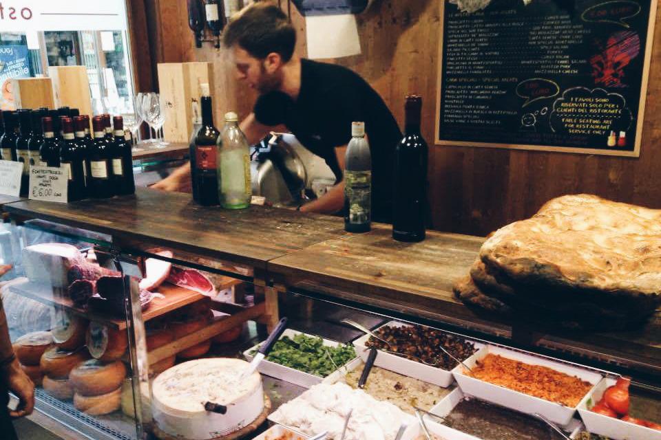 Кафе во Флоренции, о котором говорит Александр