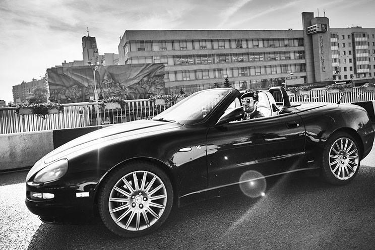 Иван за рулём Maserati