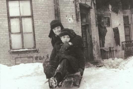 На санках, 1950-е. Фото: Марлен Матус