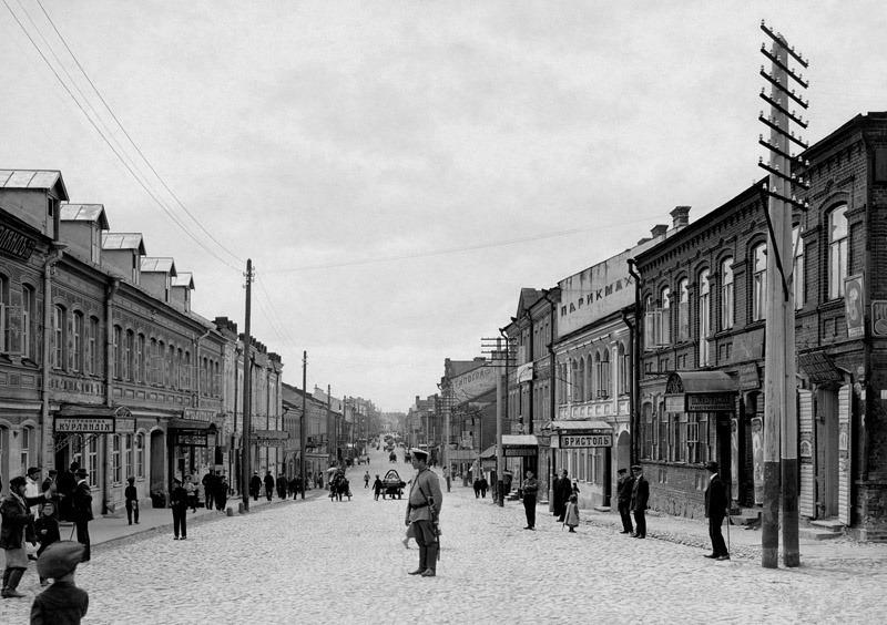 Захарьевская улица (нынешний проспект Независимости), 1910-е