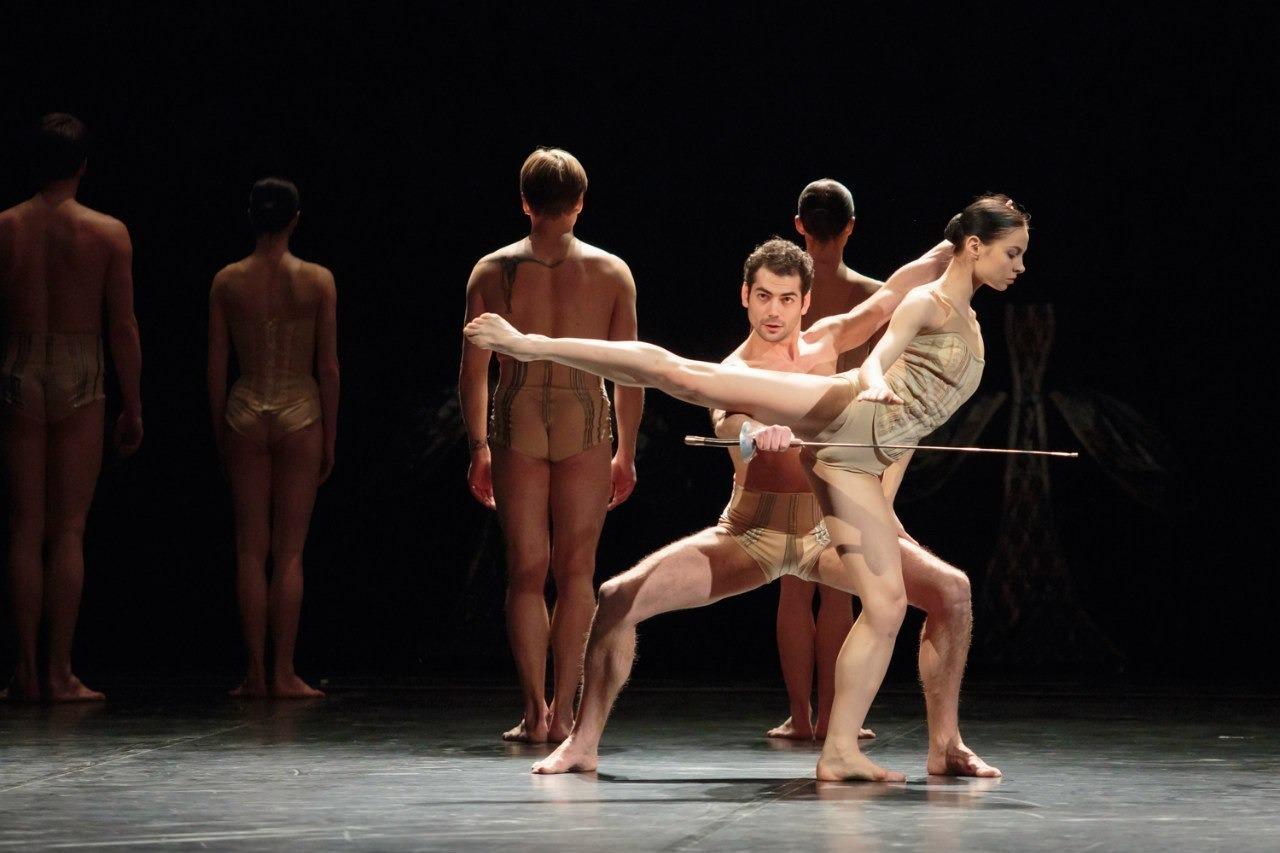 Сцена из балета «Маленькая смерть», Большой театр, Минск. Фото: Михаил Нестеров