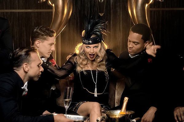 Fergie «A little party never killed nobody»