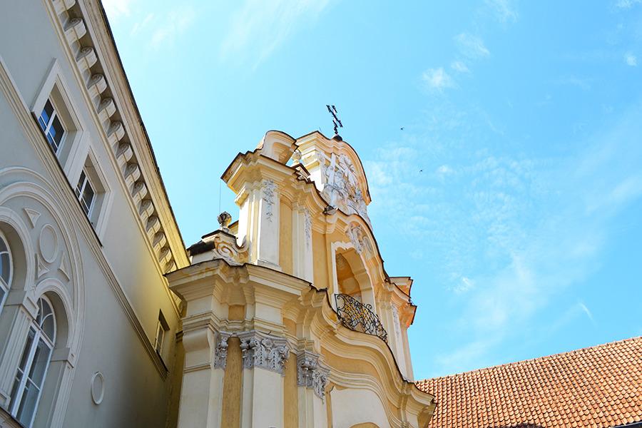 ворота базилианского монастыря Святой Троицы