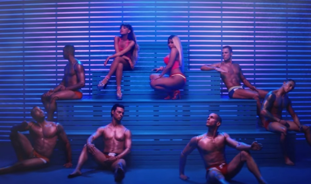 Ariana Grande ft. Nicki Minaj «Side To Side»