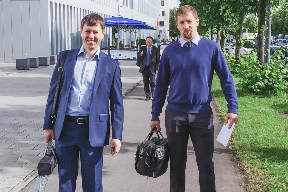 Максим Богданович (слева)