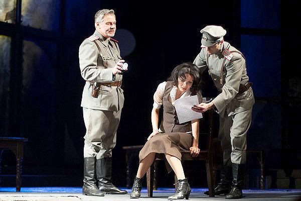 Анастасия Шпаковская в спектакле «Бег», фото из архива театра
