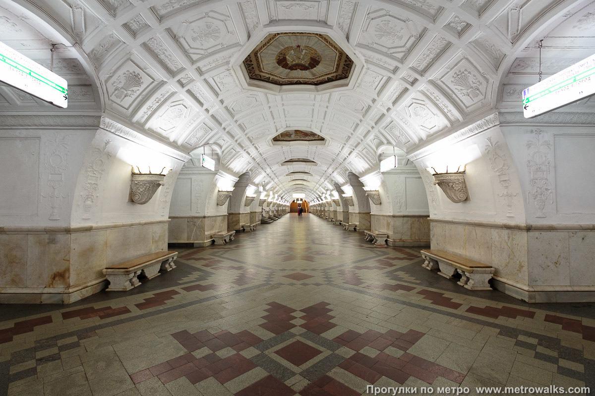Станция метро Белорусская, открытая в 1952 году. Фото: www.metrowalks.com