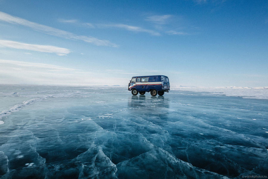 Доставка почты по льду Лены, фото: Daypic.ru