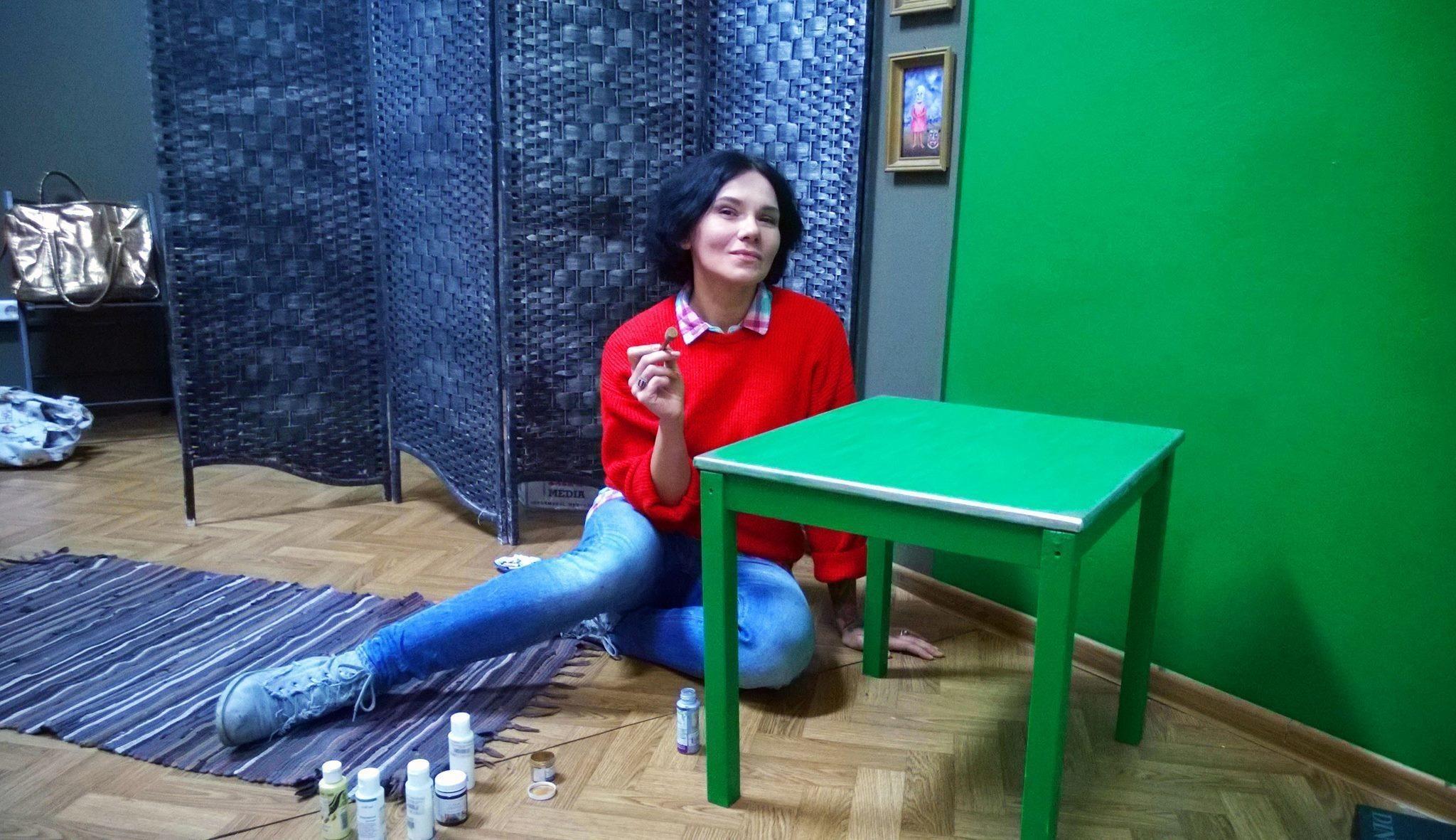 Ника Сандрос в студии на бульваре Толбухина