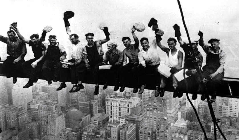Lunch a top a skyscraper, 1932