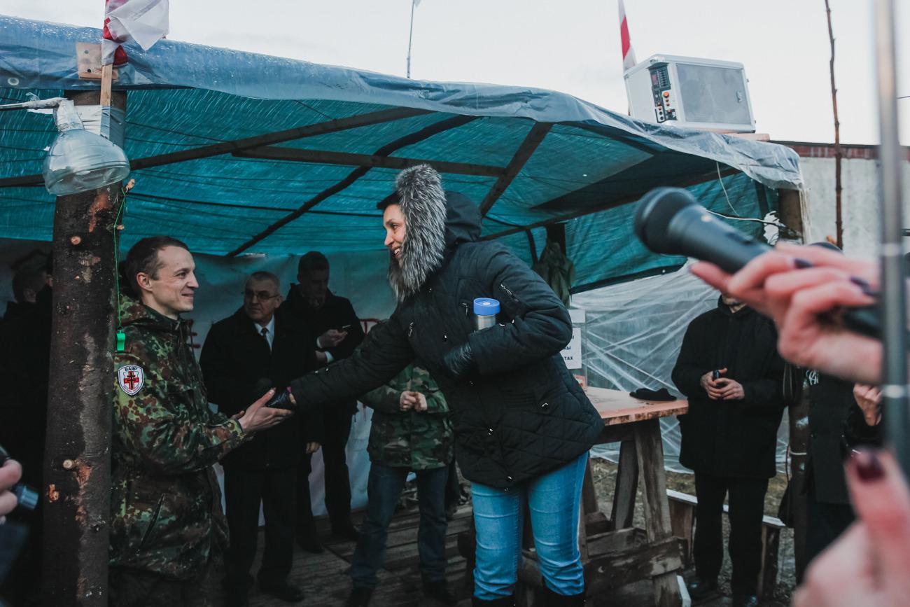 Жительница района Ольга, которая с первого дня носила в лагерь чай и еду: «У меня полностью поменялось отношение к «Молодому фронту».