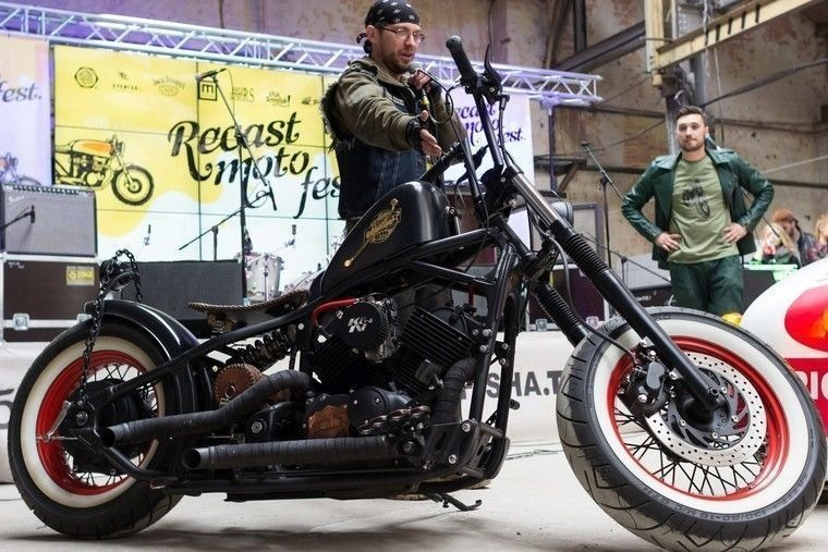 Recast Moto Fest в ангаре