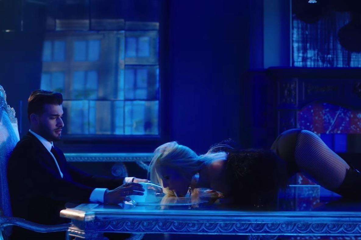Britney Spears – Slumber Party