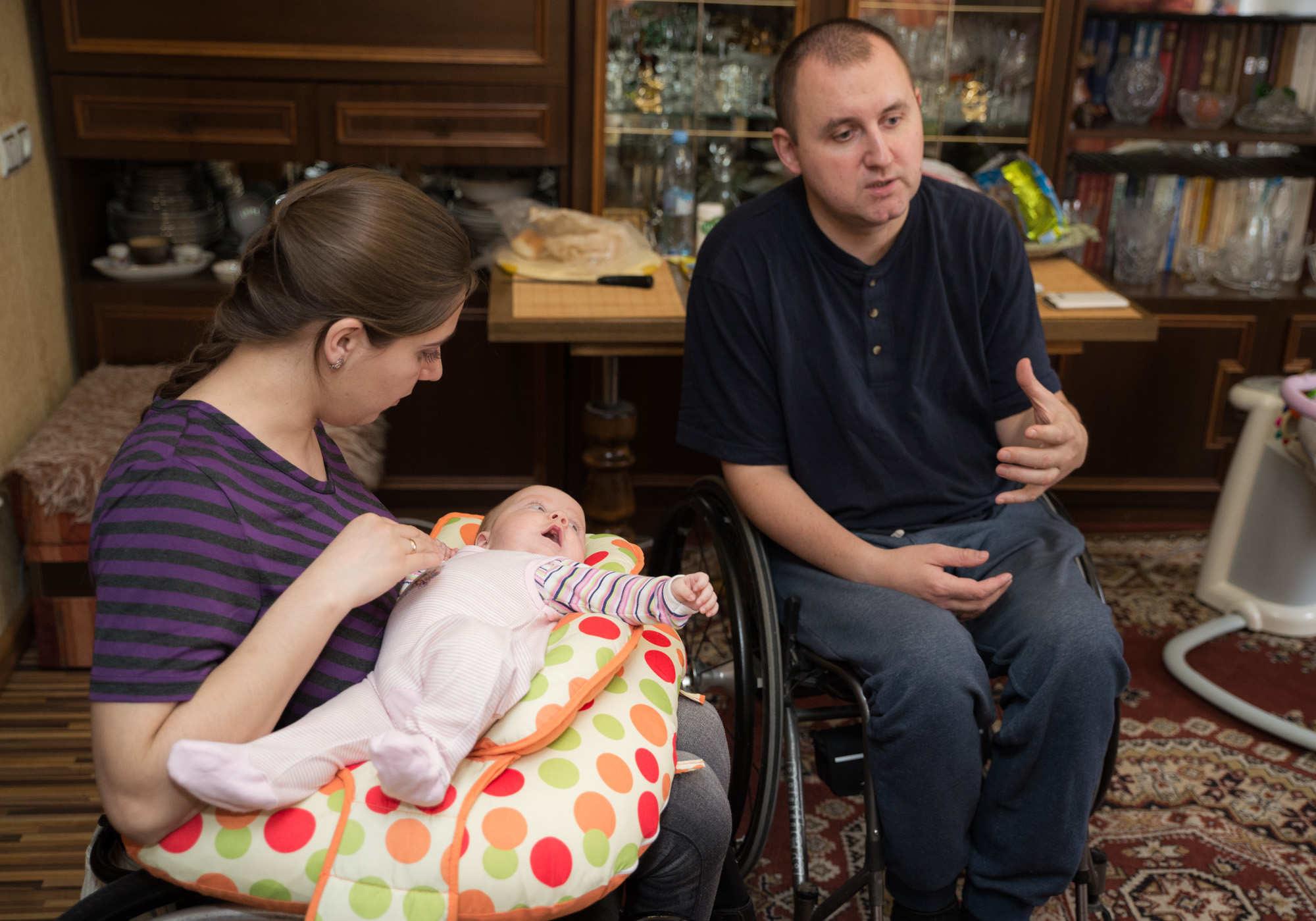 Женя и Аня Шевко из Мозыря с дочерью Настей. Фото: Денис Зеленко, Имена