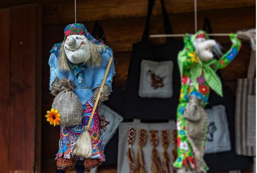 Кукла бабы яги в Несвеже. Фото: Alamy