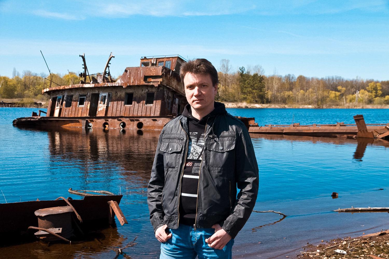 Денис Вишневский, Чернобыль, остров погибших кораблей бывший судоремонтный завод.