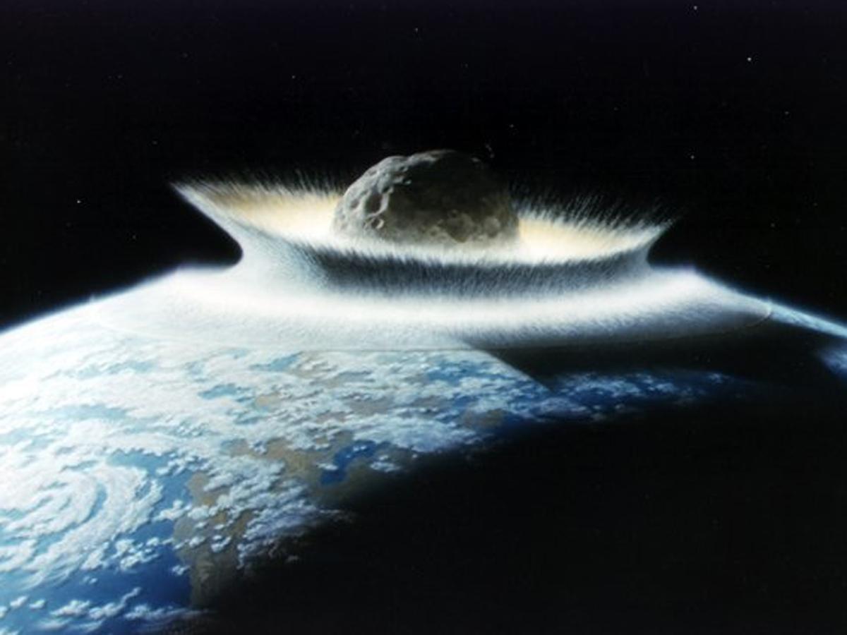 Самый большой астероид ударил по Земле 4,5 млрд лет назад, модель