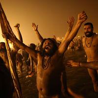 Thumb indian holy men celebrate 005